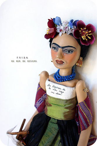 Frida_art_doll4