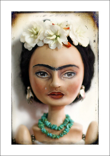 Frida_art_doll_close_up