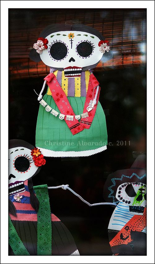 Day_of_the_dead_decorations2011